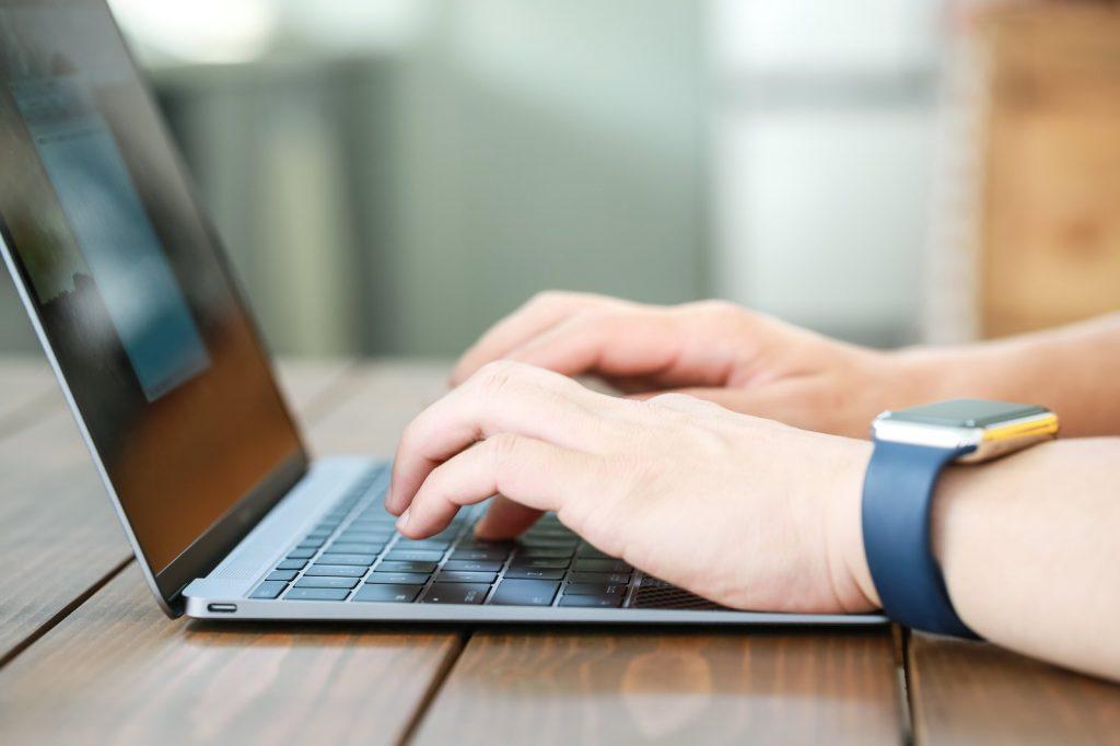 士業のブログ活用術。多くの人に読まれる、書き方のコツを紹介